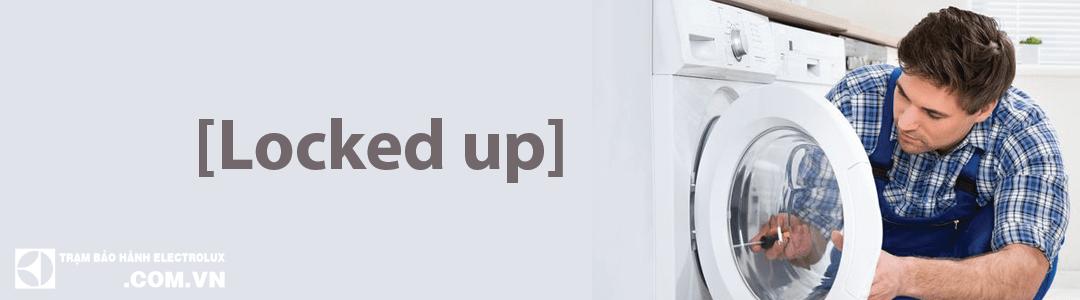 Máy giặt Electrolux không mở được cửa, bị kẹt cửa và cách mở cửa