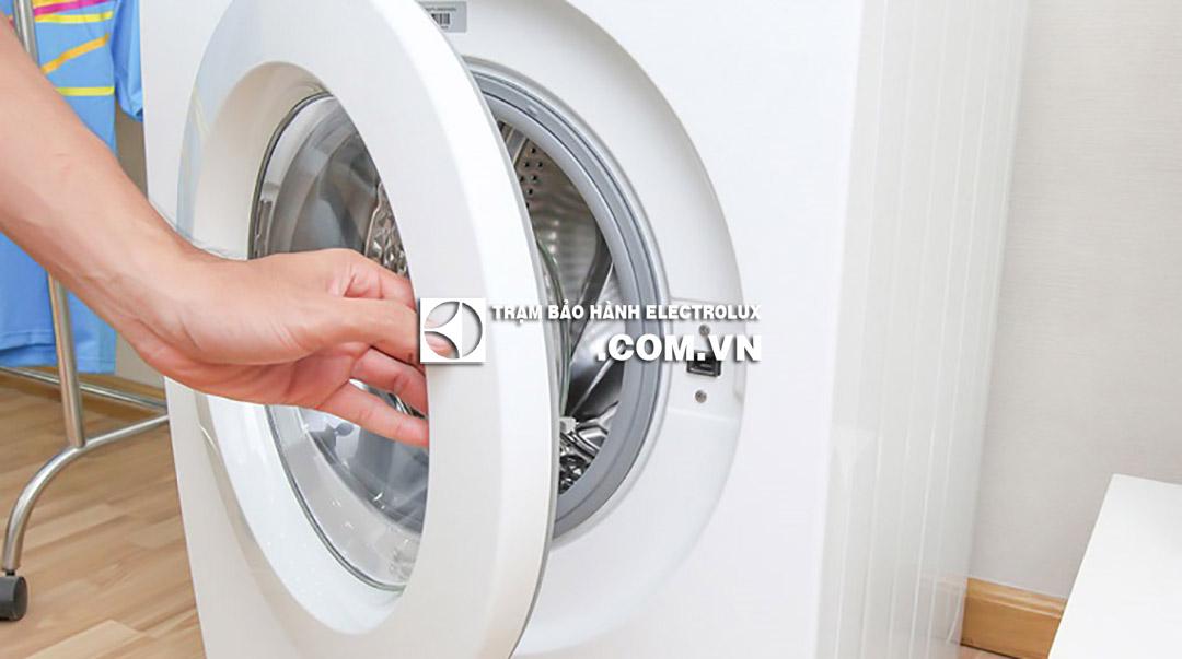 Nguyên nhân máy giặt Electrolux kêu tạch tạch và CÁCH SỬA