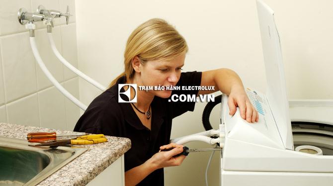 Máy giặt Electrolux nháy đèn Start do van cấp