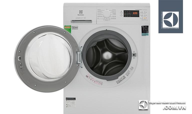 Máy giặt Electrolux không vào điện phải làm sao?