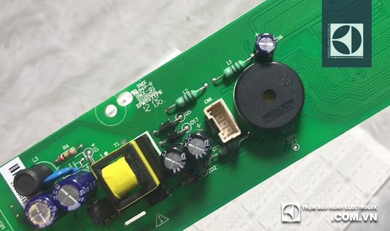 Sửa hoặc thay mới mạch điều khiển nếu main bị lỗi