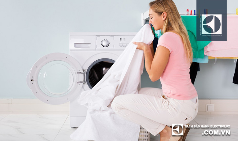 Máy giặt Electrolux không vắt: 3 Nguyên Nhân và Cách Sửa