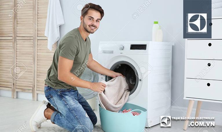 3 cách sử dụng máy giặt Electrolux EWF85761 ít người biết đến