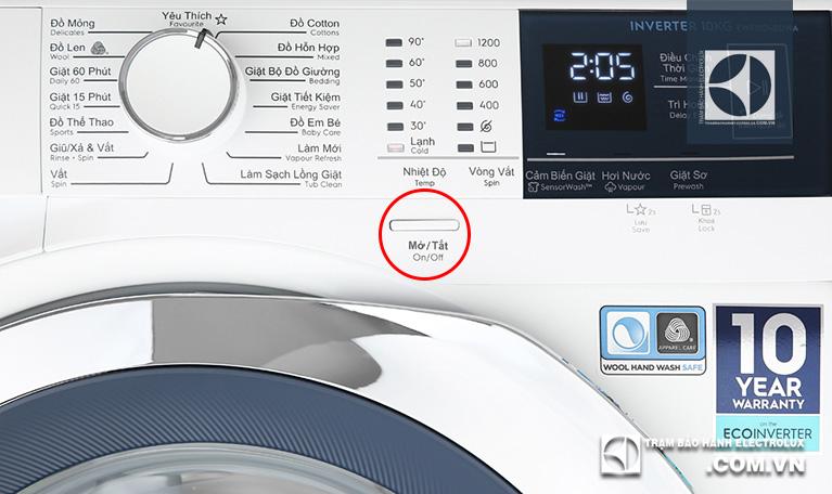 """Cách tắt máy giặt Electrolux cửa ngang CÓnút """"Mở/ Tắt"""" (On/ Off)"""