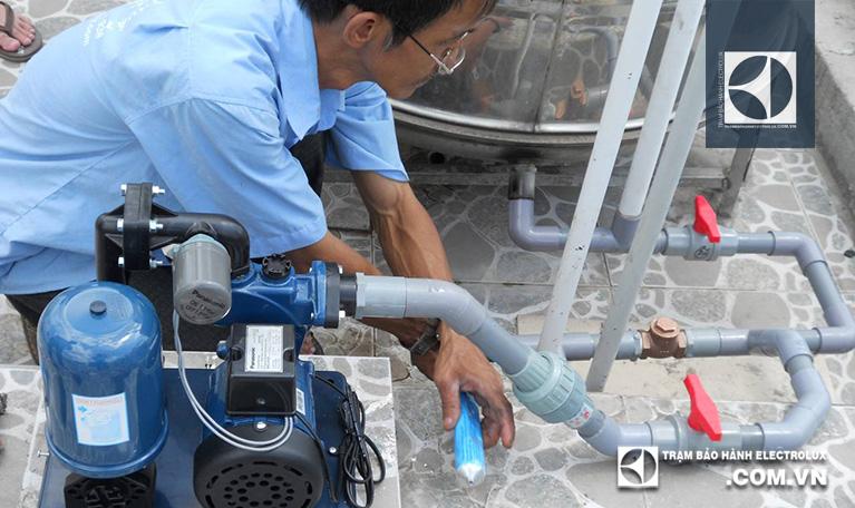 Tăng áp suất đường nước đầu vào